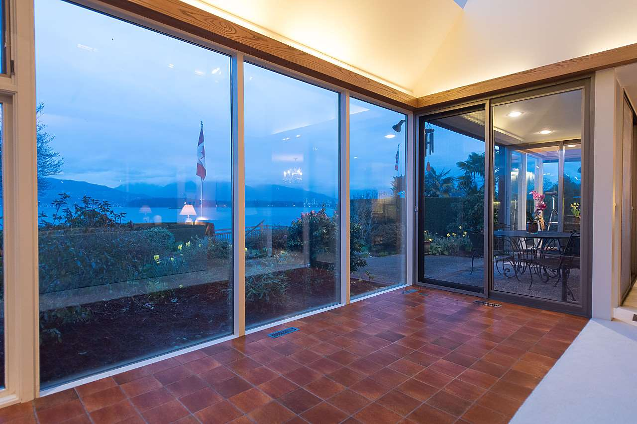 Photo 9: 3011 POINT GREY Road in Vancouver: Kitsilano House for sale (Vancouver West)  : MLS® # R2149733