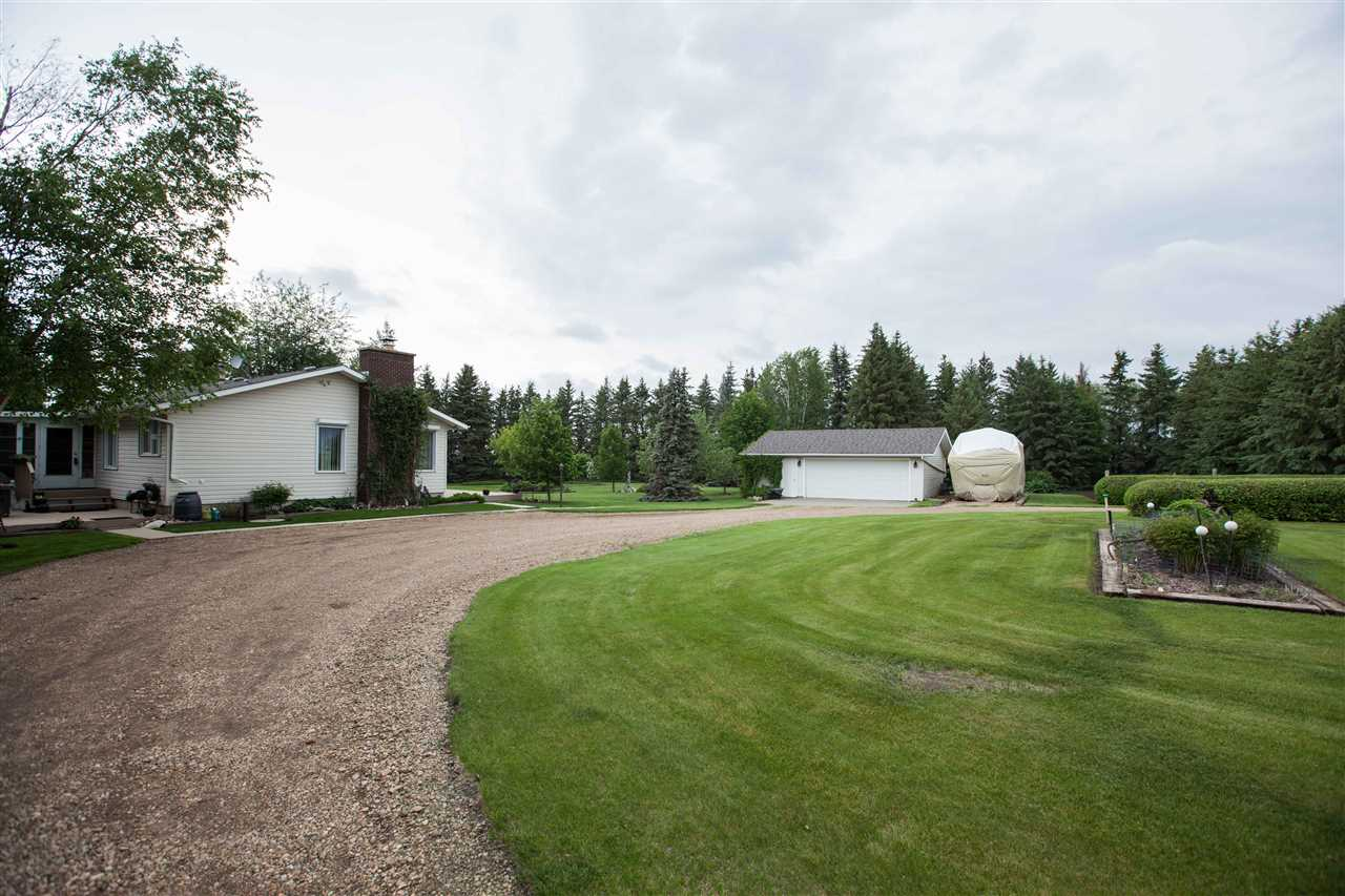 Photo 3: 55018 RR 242: Rural Sturgeon County House for sale : MLS(r) # E4062152