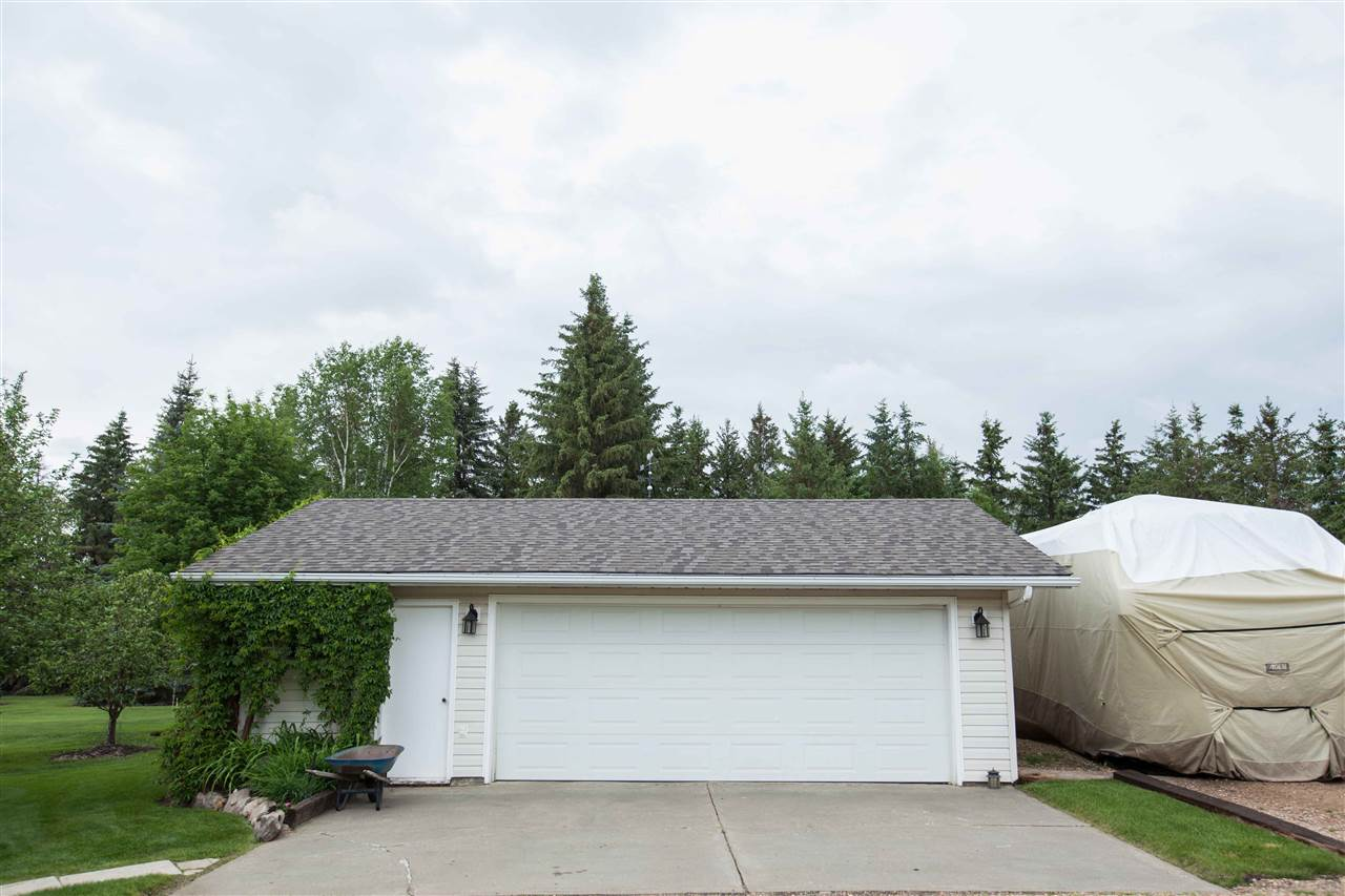 Photo 4: 55018 RR 242: Rural Sturgeon County House for sale : MLS(r) # E4062152