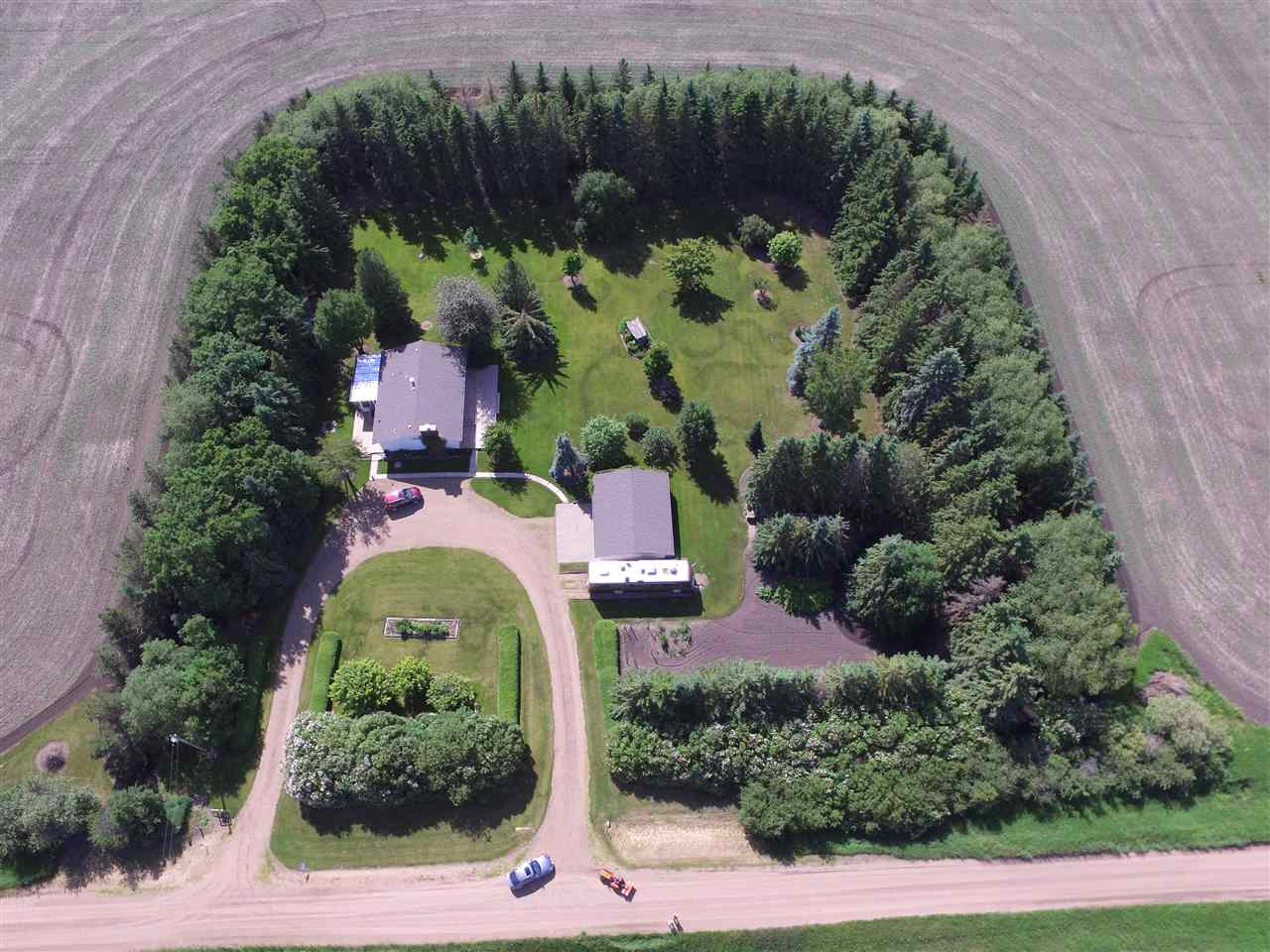 Photo 2: 55018 RR 242: Rural Sturgeon County House for sale : MLS(r) # E4062152