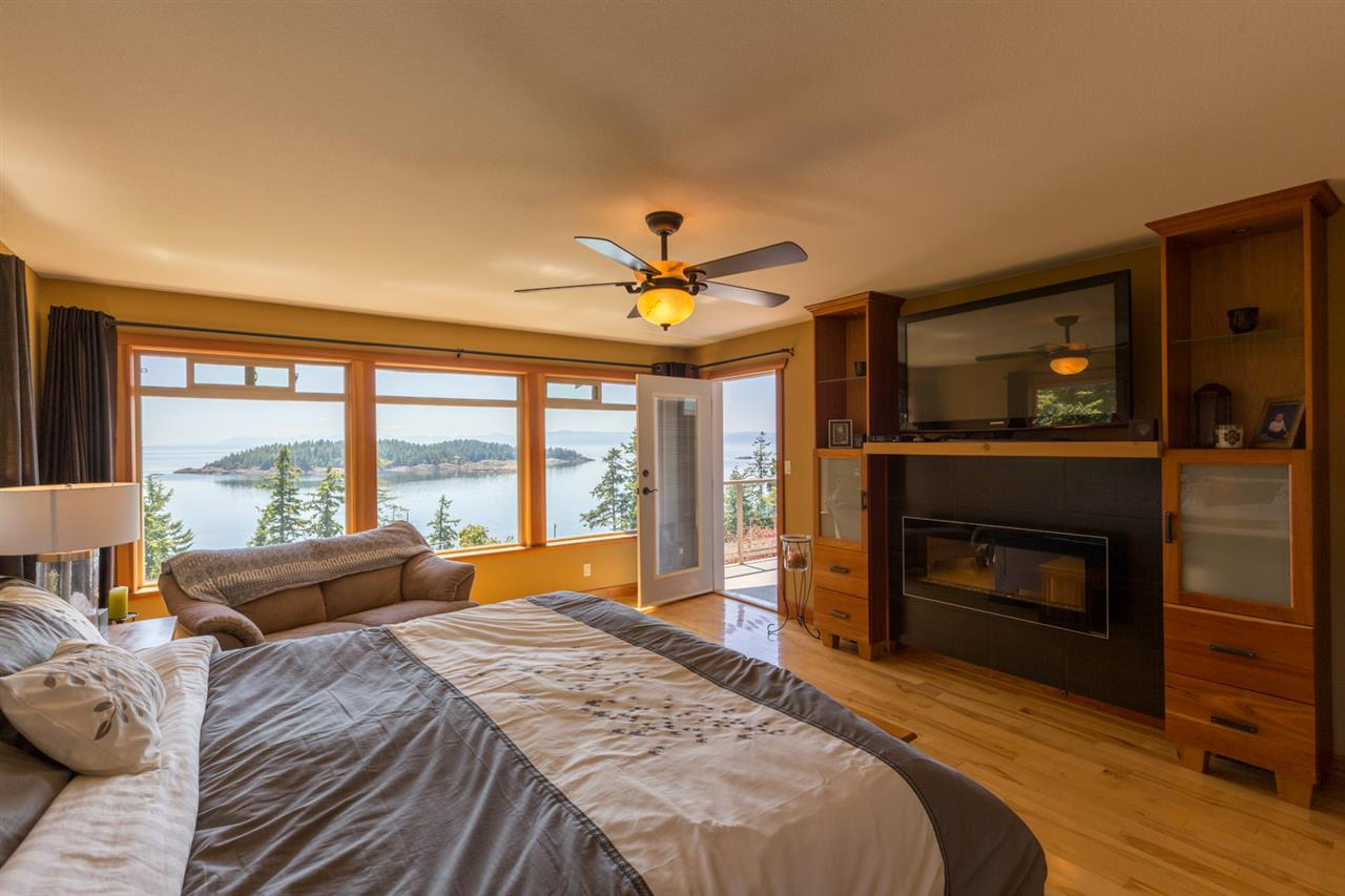 Photo 12: Photos: 6612 SUNSHINE COAST Highway in Sechelt: Sechelt District House for sale (Sunshine Coast)  : MLS®# R2171531