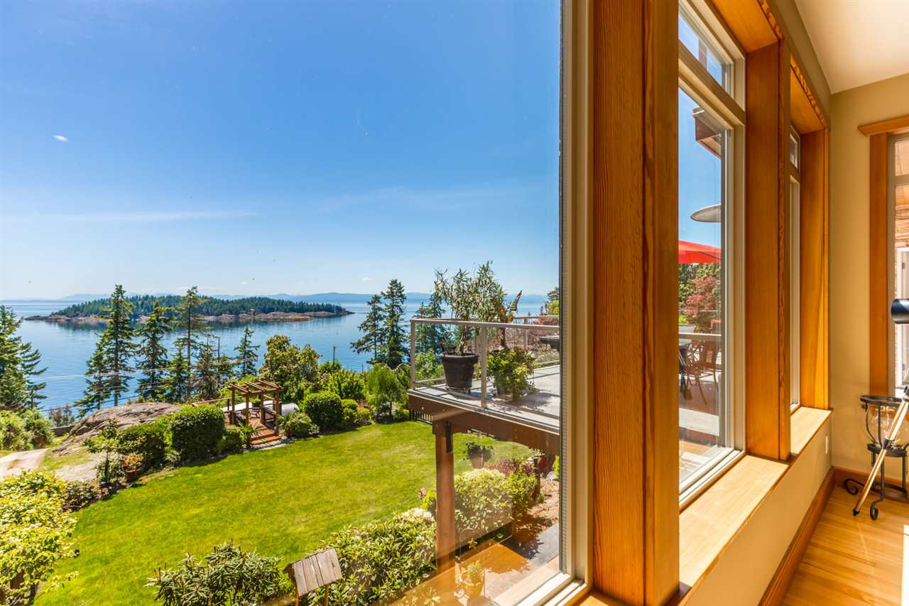 Photo 7: Photos: 6612 SUNSHINE COAST Highway in Sechelt: Sechelt District House for sale (Sunshine Coast)  : MLS®# R2171531
