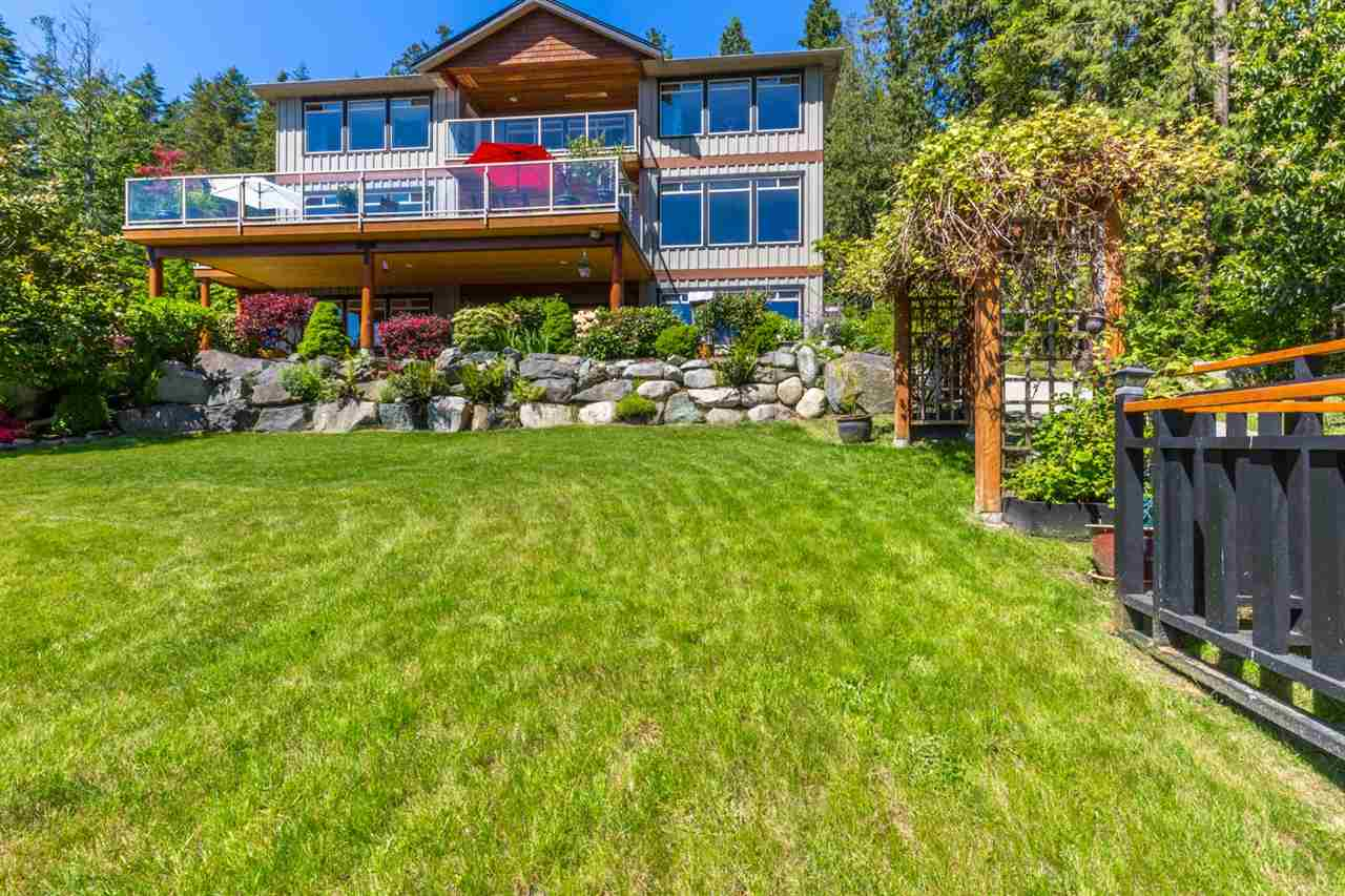 Photo 20: Photos: 6612 SUNSHINE COAST Highway in Sechelt: Sechelt District House for sale (Sunshine Coast)  : MLS®# R2171531