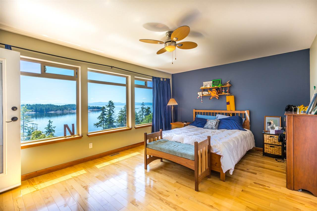 Photo 10: Photos: 6612 SUNSHINE COAST Highway in Sechelt: Sechelt District House for sale (Sunshine Coast)  : MLS®# R2171531