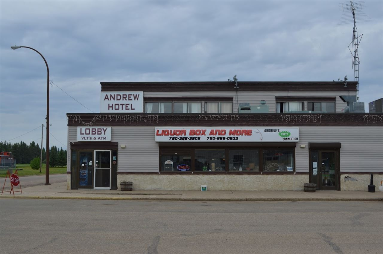 Main Photo: 5102 Stelmach Avenue: Andrew Business with Property for sale : MLS®# E4066935