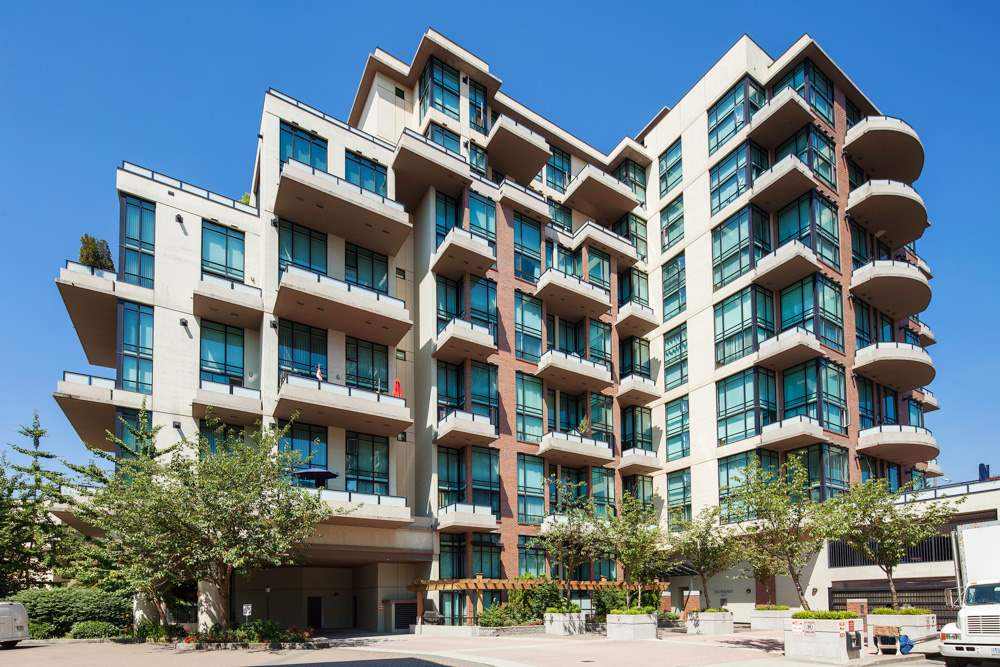 "Main Photo: 208 10 RENAISSANCE Square in New Westminster: Quay Condo for sale in ""MURANO LOFTS"" : MLS® # R2189938"