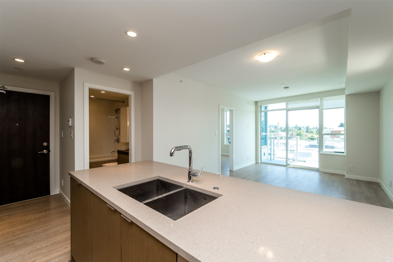 Photo 16: Photos: 1402 125 E 14TH Street in North Vancouver: Central Lonsdale Condo for sale : MLS® # R2204808