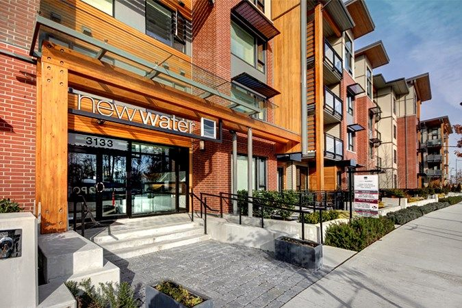 New Water - the River District's best location