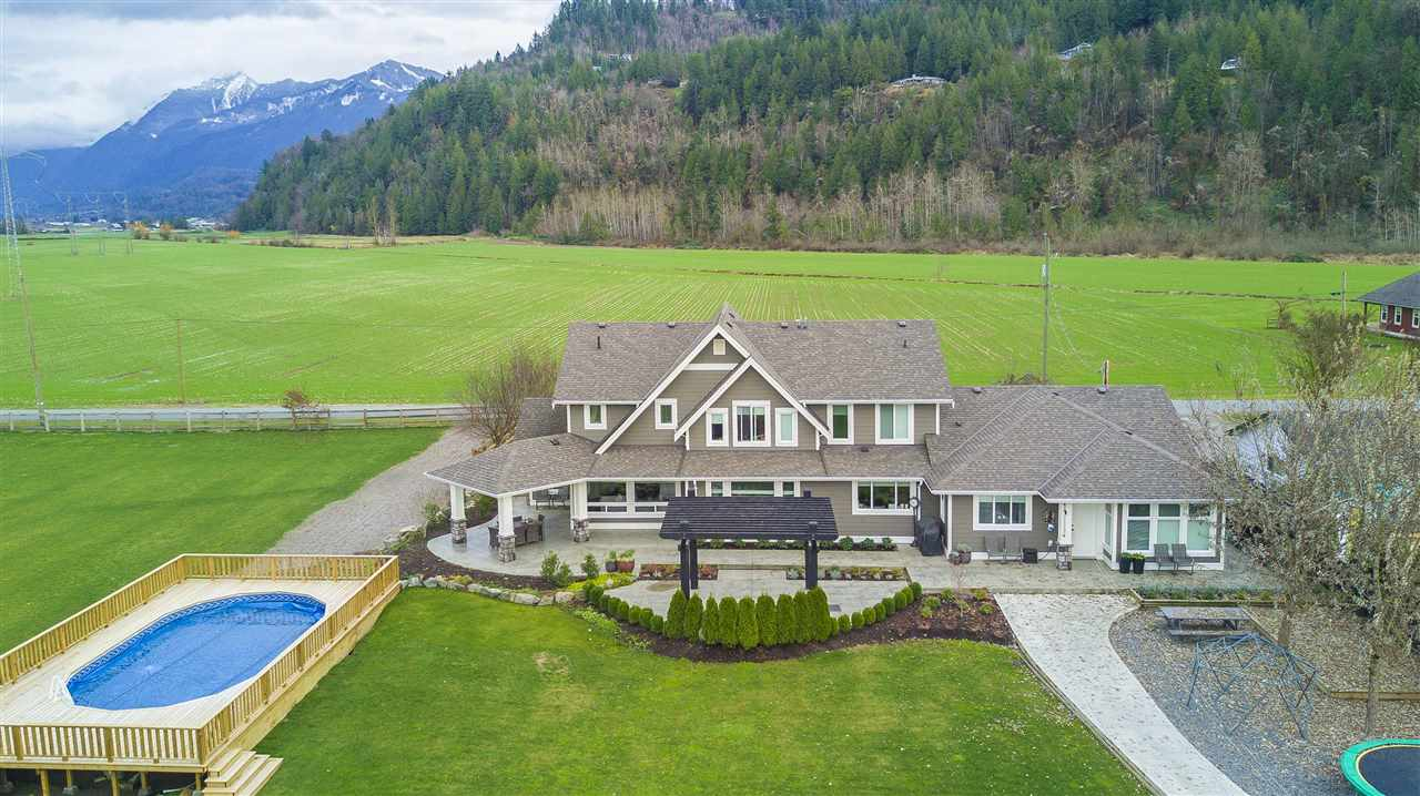 Photo 18: Photos: 6695 BANFORD Road in Chilliwack: East Chilliwack House for sale : MLS® # R2225359