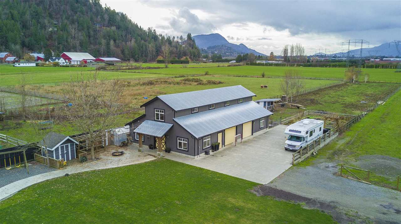 Photo 17: Photos: 6695 BANFORD Road in Chilliwack: East Chilliwack House for sale : MLS® # R2225359