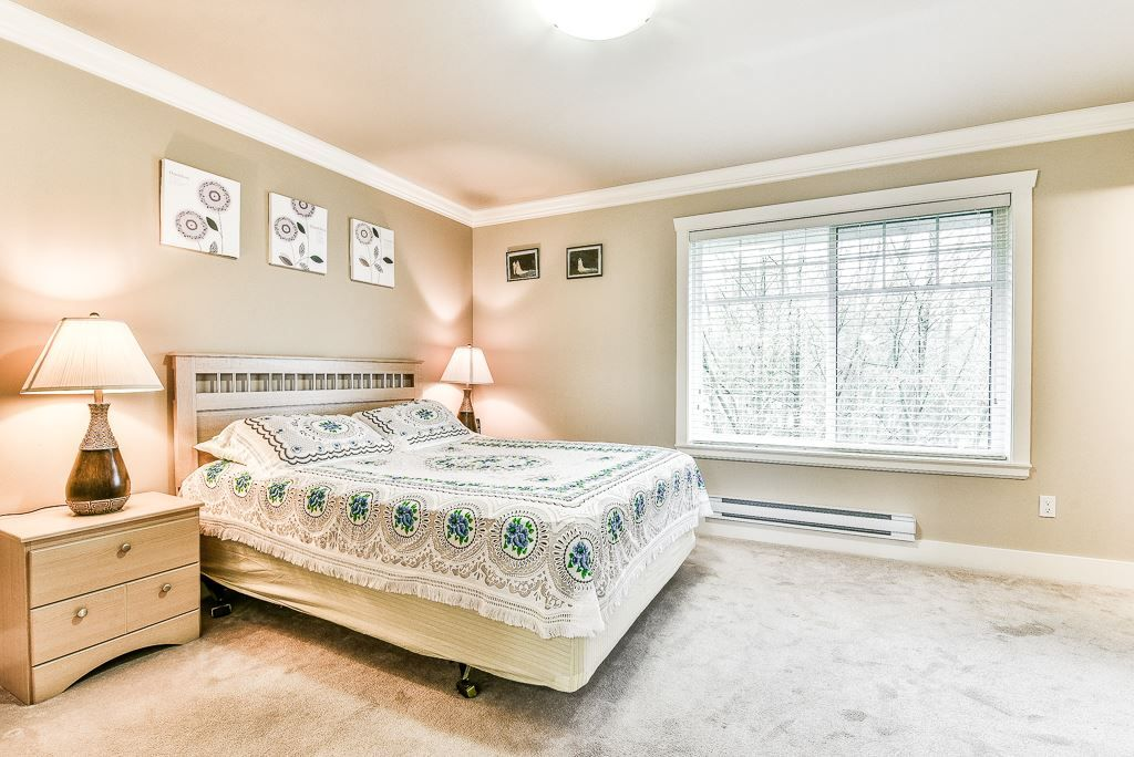 "Photo 13: Photos: 127 15399 GUILDFORD Drive in Surrey: Guildford Townhouse for sale in ""GUILDFORD GREEN"" (North Surrey)  : MLS® # R2237547"