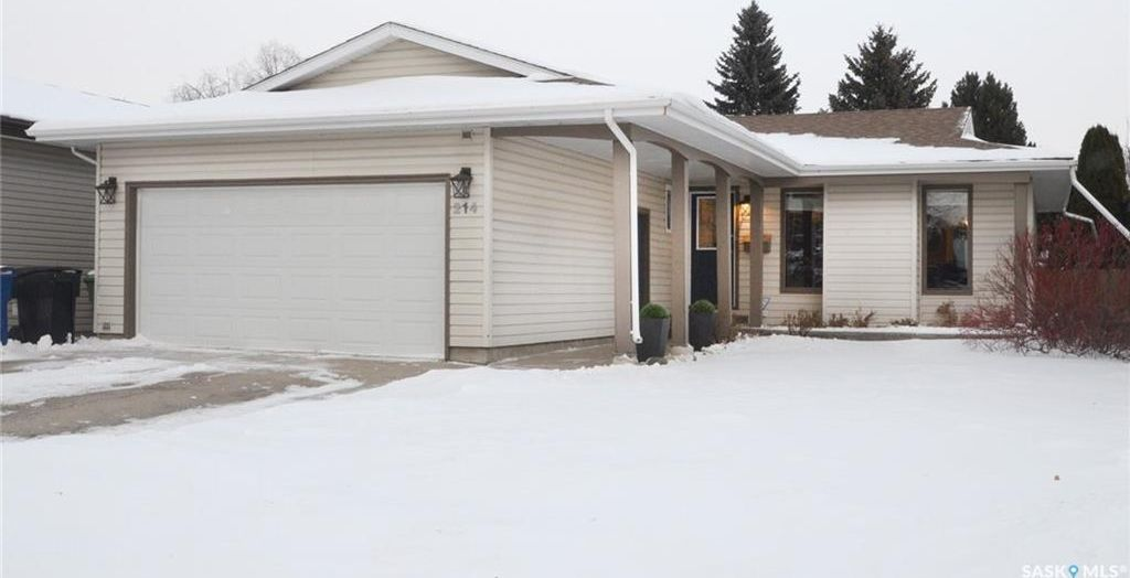 Main Photo: 214 Roborecki Crescent in Saskatoon: Silverwood Heights Residential for sale : MLS® # SK719947