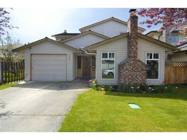 "Main Photo: 5260 HOLLYFIELD Avenue in Richmond: Steveston North House for sale in ""HOLLYPARK"" : MLS® # V886849"