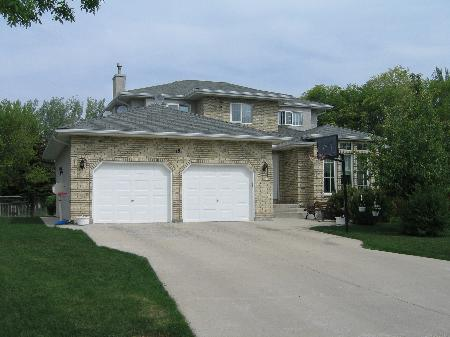 Main Photo: 19 Allan Rouse Cove: Residential for sale (Algonquin Estates)  : MLS(r) # 2608101