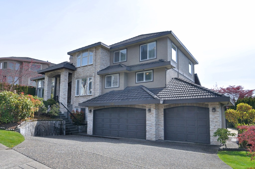 Main Photo: 3069 Plateau Boulevard in Coquitlam: Westwood Plateau House for sale : MLS®# V1004033