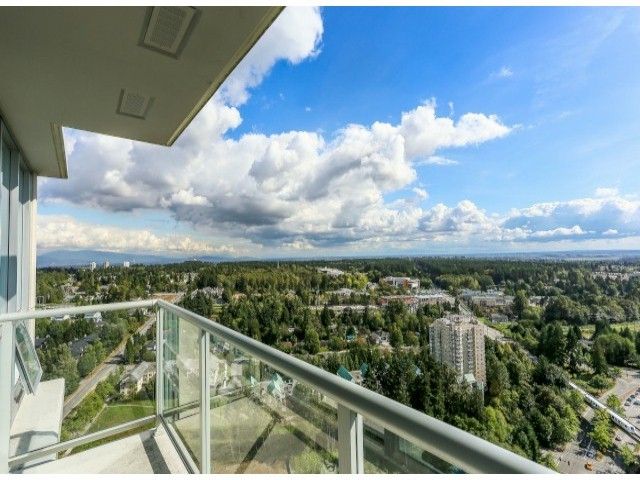 Main Photo: 2705 9981 WHALLEY Boulevard in Surrey: Whalley Condo for sale (North Surrey)  : MLS(r) # F1403582