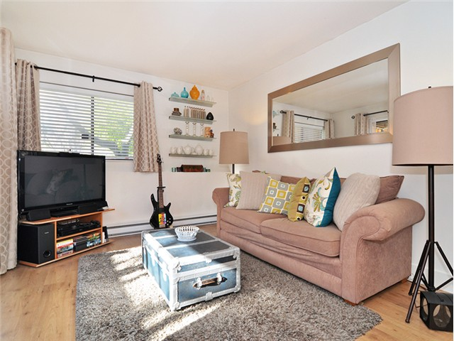"Photo 4: 101 2045 FRANKLIN Street in Vancouver: Hastings Condo for sale in ""HARBOUR MOUNT"" (Vancouver East)  : MLS(r) # V1049075"