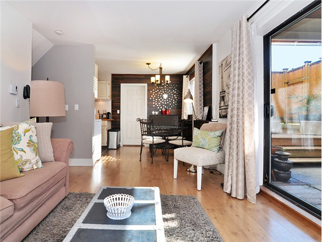 "Photo 5: 101 2045 FRANKLIN Street in Vancouver: Hastings Condo for sale in ""HARBOUR MOUNT"" (Vancouver East)  : MLS(r) # V1049075"