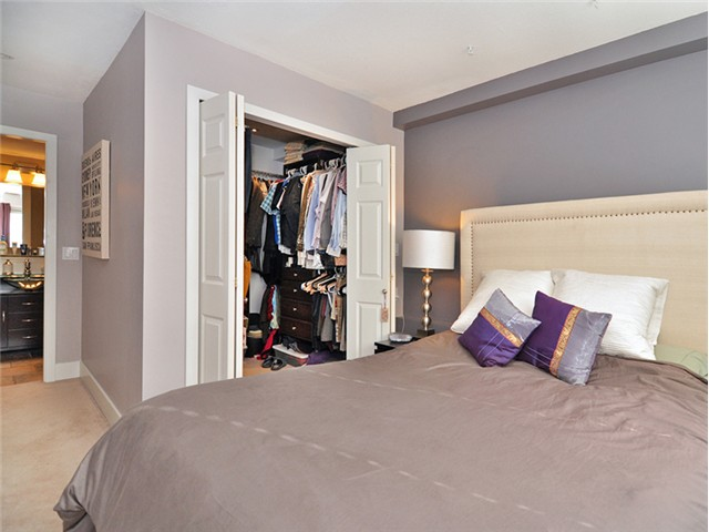 "Photo 10: 101 2045 FRANKLIN Street in Vancouver: Hastings Condo for sale in ""HARBOUR MOUNT"" (Vancouver East)  : MLS(r) # V1049075"