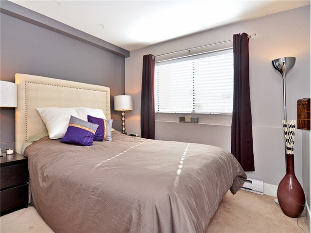 "Photo 9: 101 2045 FRANKLIN Street in Vancouver: Hastings Condo for sale in ""HARBOUR MOUNT"" (Vancouver East)  : MLS(r) # V1049075"