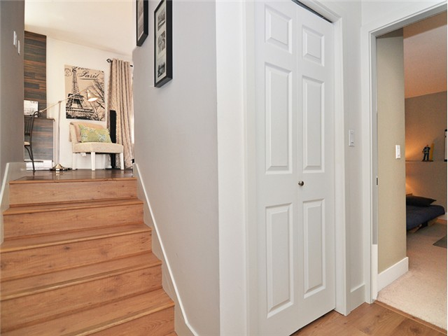 "Photo 2: 101 2045 FRANKLIN Street in Vancouver: Hastings Condo for sale in ""HARBOUR MOUNT"" (Vancouver East)  : MLS(r) # V1049075"
