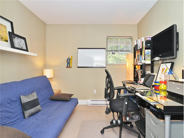"Photo 12: 101 2045 FRANKLIN Street in Vancouver: Hastings Condo for sale in ""HARBOUR MOUNT"" (Vancouver East)  : MLS(r) # V1049075"