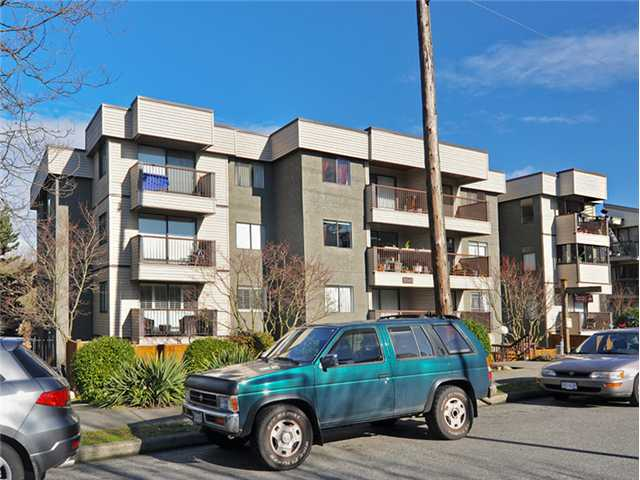 "Main Photo: 101 2045 FRANKLIN Street in Vancouver: Hastings Condo for sale in ""HARBOUR MOUNT"" (Vancouver East)  : MLS(r) # V1049075"