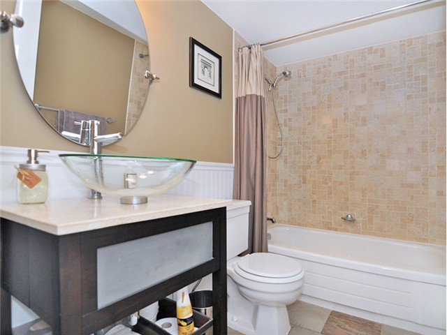 "Photo 13: 101 2045 FRANKLIN Street in Vancouver: Hastings Condo for sale in ""HARBOUR MOUNT"" (Vancouver East)  : MLS(r) # V1049075"