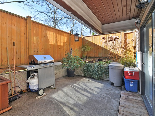 "Photo 14: 101 2045 FRANKLIN Street in Vancouver: Hastings Condo for sale in ""HARBOUR MOUNT"" (Vancouver East)  : MLS(r) # V1049075"