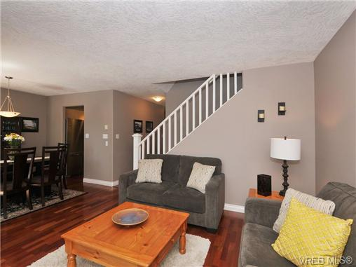 Photo 4: 11 2563 Millstream Road in VICTORIA: La Mill Hill Townhouse for sale (Langford)  : MLS® # 339387