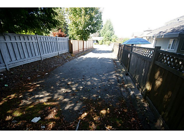 Photo 11: 6173 132ND Street in Surrey: Panorama Ridge House for sale : MLS(r) # F1447502