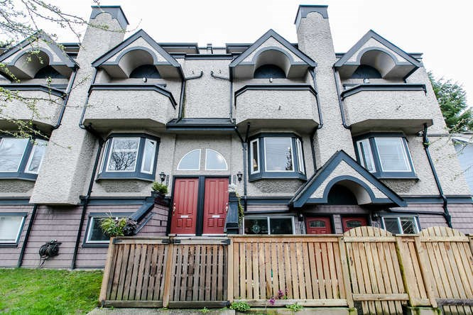 Main Photo: 2308 VINE Street in Vancouver: Kitsilano Townhouse for sale (Vancouver West)  : MLS® # R2039868