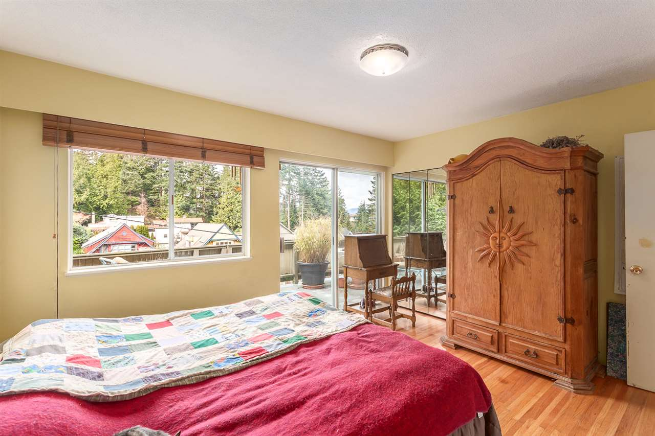 Photo 14: 6844 COPPER COVE Road in West Vancouver: Whytecliff House for sale : MLS(r) # R2045747
