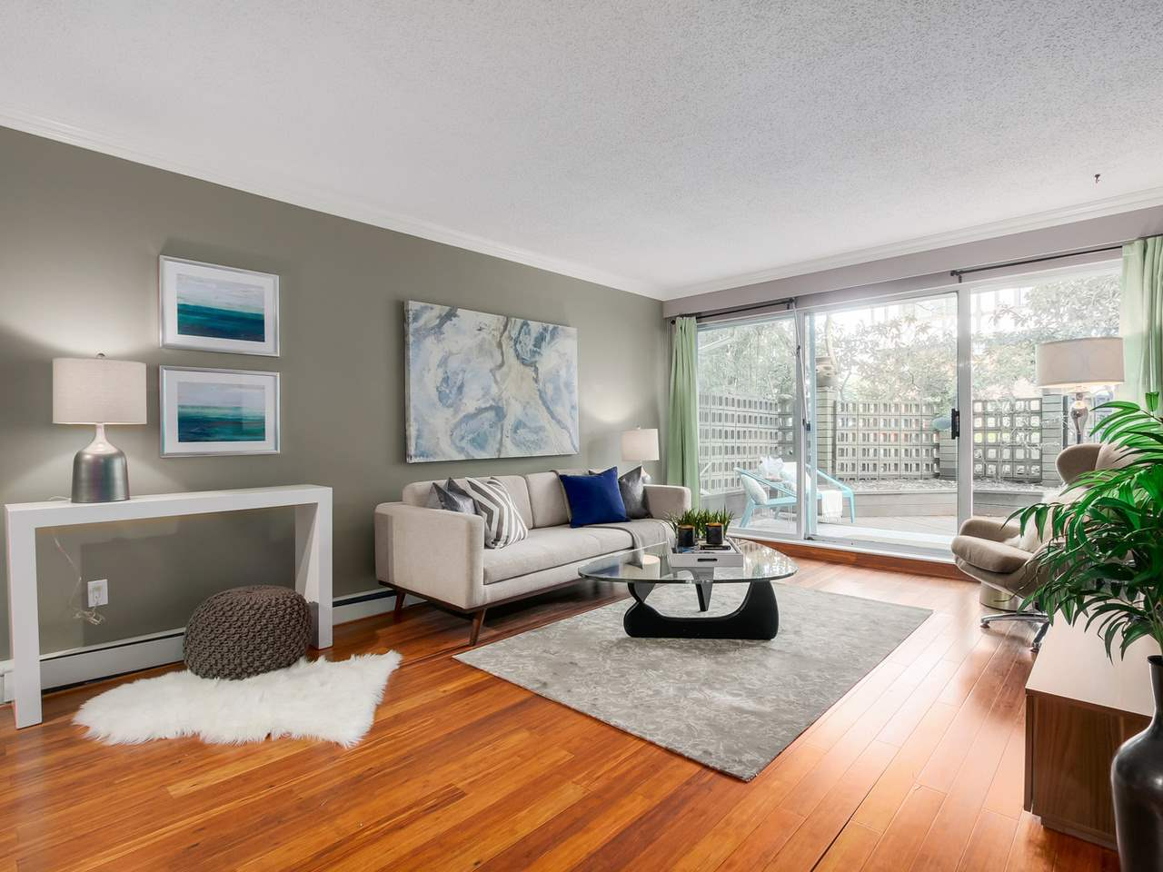 Photo 2: 103 1412 W 14TH Avenue in Vancouver: Fairview VW Condo for sale (Vancouver West)  : MLS® # R2048701