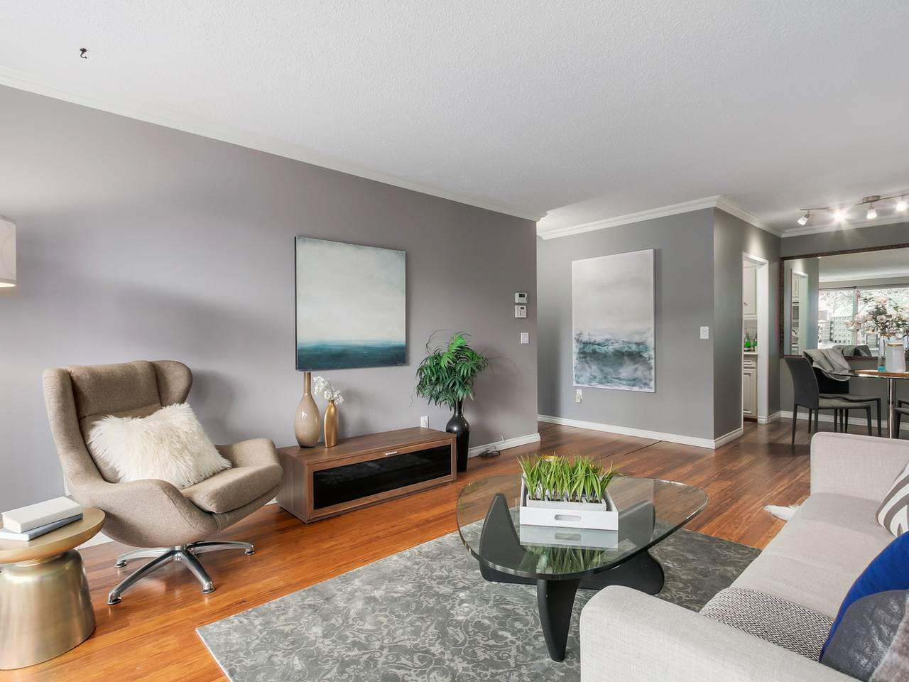 Photo 3: 103 1412 W 14TH Avenue in Vancouver: Fairview VW Condo for sale (Vancouver West)  : MLS® # R2048701