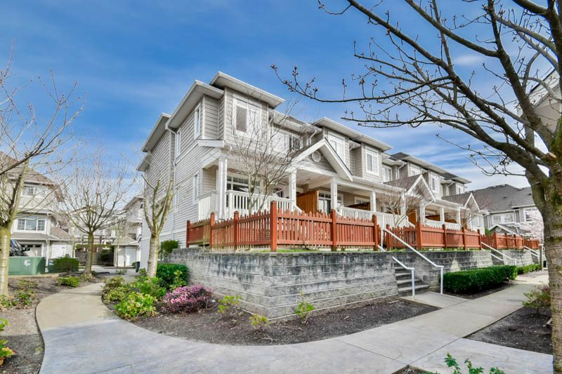 "Main Photo: 15 6852 193 Street in Surrey: Clayton Townhouse for sale in ""Indigo"" (Cloverdale)  : MLS® # R2049861"