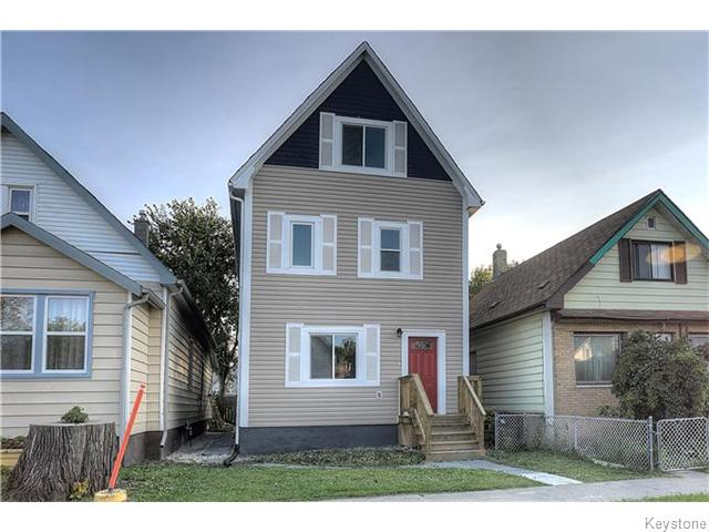 Main Photo: 2246 Gallagher Avenue in Winnipeg: Brooklands / Weston Residential for sale (West Winnipeg)  : MLS® # 1607876