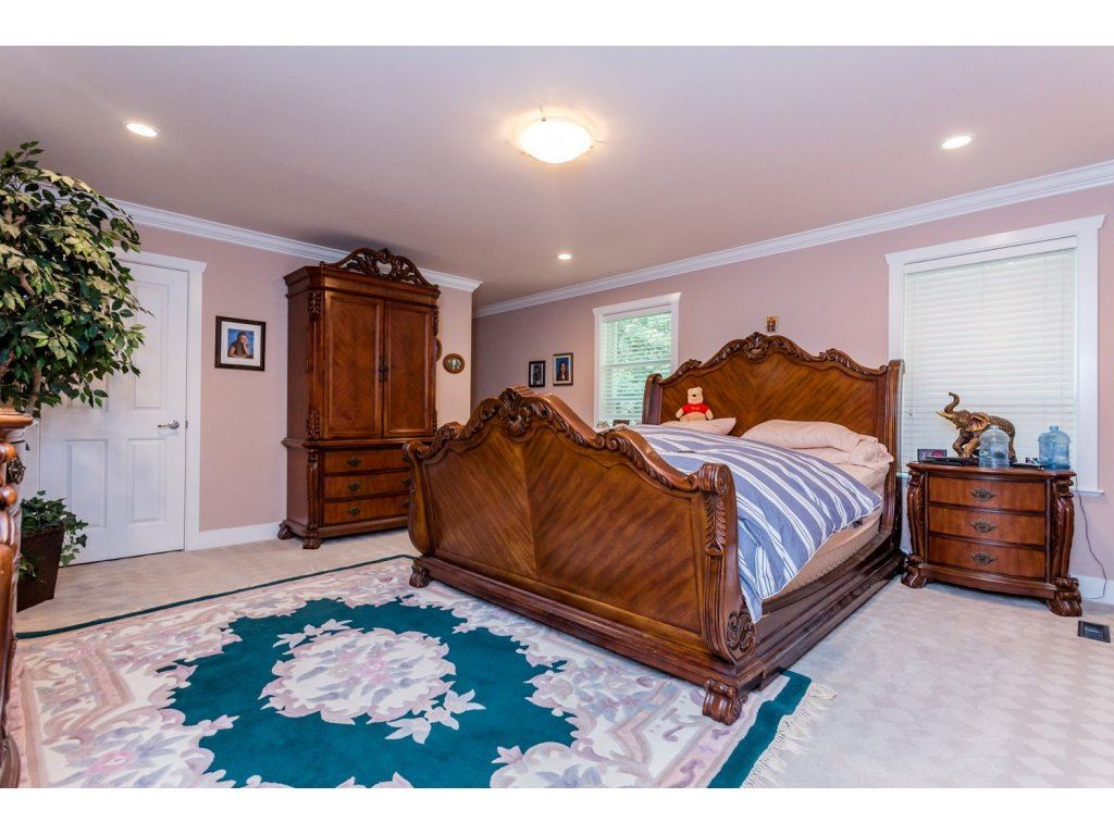 Photo 13: 6728 148A Street in Surrey: East Newton House for sale : MLS(r) # R2075641