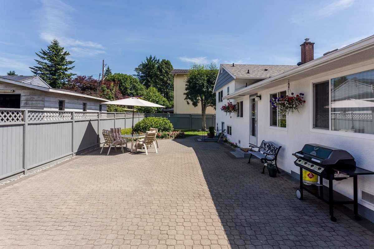 "Photo 18: 10166 MARY Drive in Surrey: Cedar Hills House for sale in ""St. Helens Park"" (North Surrey)  : MLS® # R2078044"