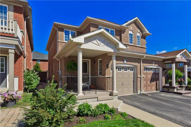 Main Photo: 573 Willmott Crest in Milton: Clarke House (2-Storey) for sale : MLS®# W3609037