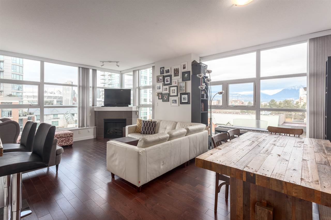 "Main Photo: 701 189 NATIONAL Avenue in Vancouver: Mount Pleasant VE Condo for sale in ""THE SUSSEX"" (Vancouver East)  : MLS(r) # R2133336"