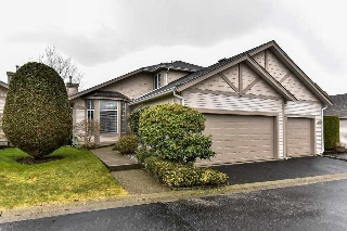 "Main Photo: 95 9012 WALNUT GROVE Drive in Langley: Walnut Grove Townhouse for sale in ""QUEEN ANNE GREEN"" : MLS(r) # R2140275"