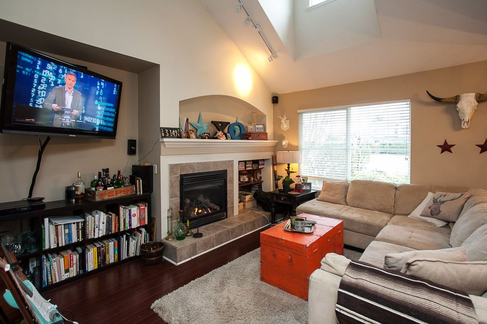 "Photo 4: 90 17097 64 Avenue in Surrey: Cloverdale BC Townhouse for sale in ""Kentucky"" (Cloverdale)  : MLS(r) # R2146336"