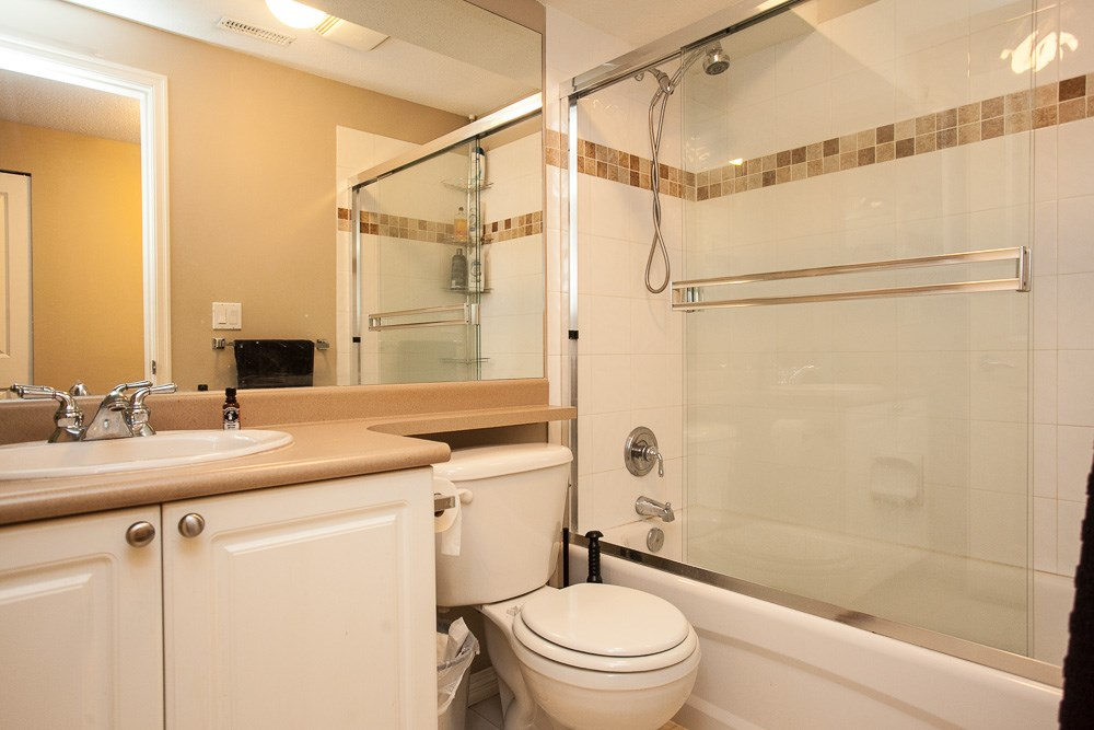 "Photo 17: 90 17097 64 Avenue in Surrey: Cloverdale BC Townhouse for sale in ""Kentucky"" (Cloverdale)  : MLS(r) # R2146336"