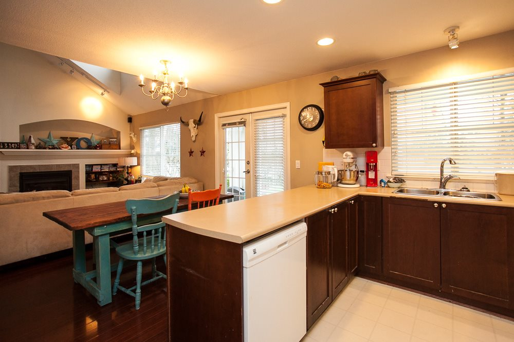 "Photo 6: 90 17097 64 Avenue in Surrey: Cloverdale BC Townhouse for sale in ""Kentucky"" (Cloverdale)  : MLS(r) # R2146336"
