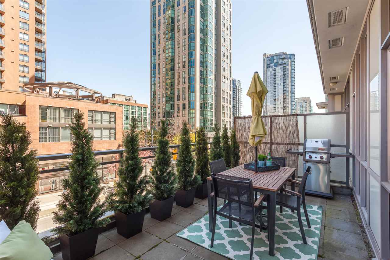 "Main Photo: 303 1205 HOWE Street in Vancouver: Downtown VW Condo for sale in ""Alto"" (Vancouver West)  : MLS(r) # R2159218"