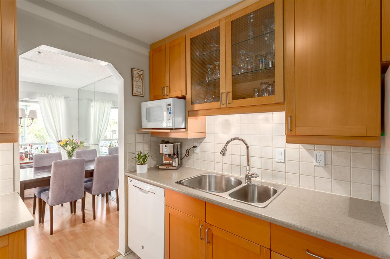 "Photo 7: 113 910 W 8TH Avenue in Vancouver: Fairview VW Condo for sale in ""RHAPSODY"" (Vancouver West)  : MLS(r) # R2159432"