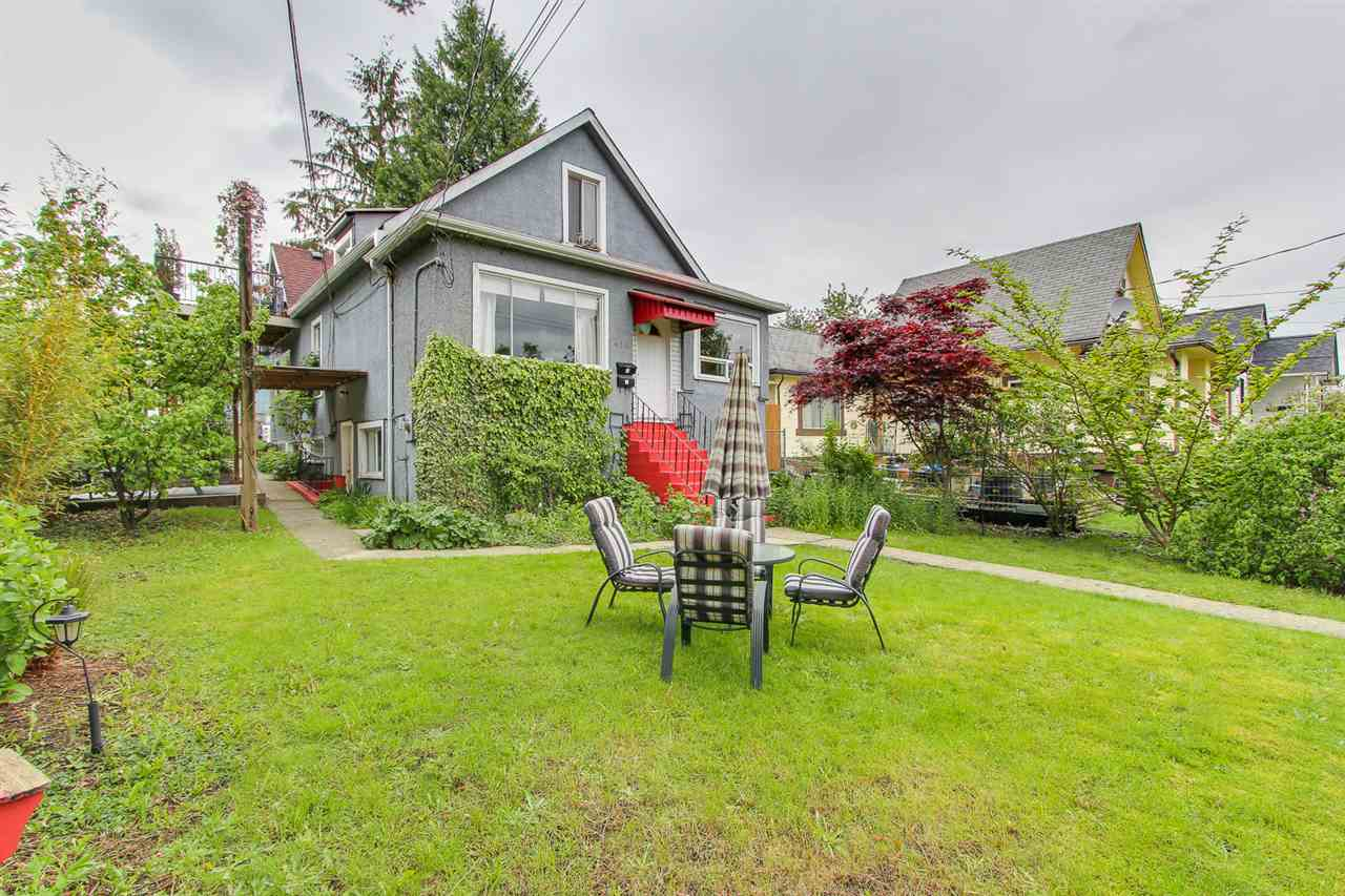 Main Photo: 419 FADER Street in New Westminster: Sapperton House for sale : MLS® # R2167973
