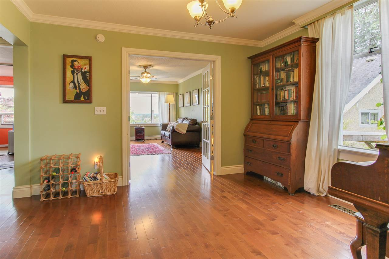 Photo 4: 419 FADER Street in New Westminster: Sapperton House for sale : MLS® # R2167973