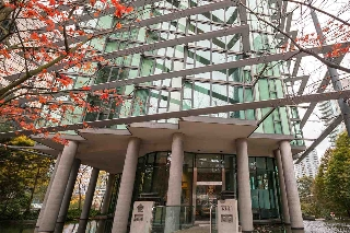 "Main Photo: 606 1331 W GEORGIA Street in Vancouver: Coal Harbour Condo for sale in ""The Pointe"" (Vancouver West)  : MLS(r) # R2171705"